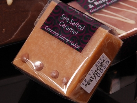 Gourmet Fudge Square Sea Salted Caramel, Fudge Kitchen,85g 	Gourmet Fudge Square Sea Salted Caramel