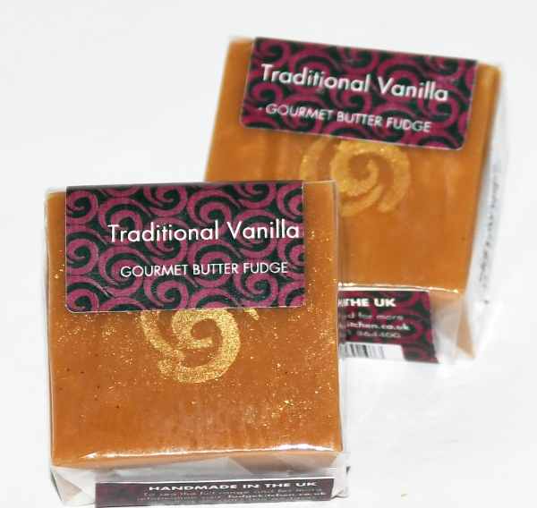 Fudge Kitchen, Sharing Square, Vanilla Traditional, 85g