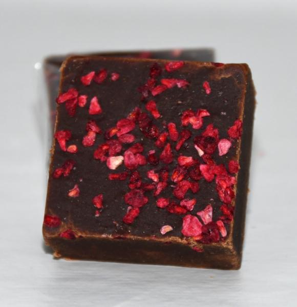 Fudge Kitchen, Sharing Square, Chocolate Raspberry, 85g, vegan